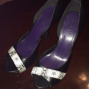 Shoe dazzle black & white high heel 10M